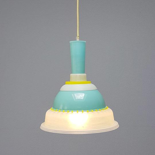 Tupperware Upcycle lamp met licht aan